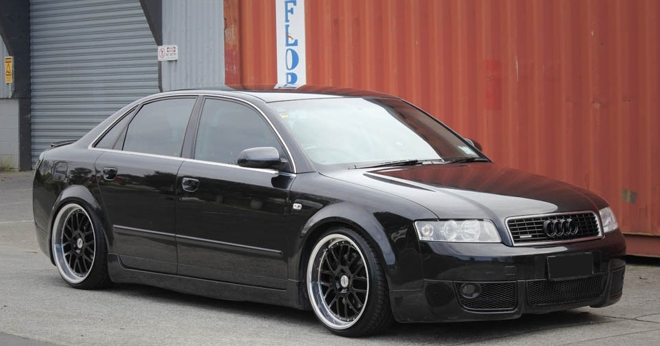 Audi A4 on TSW Valencia