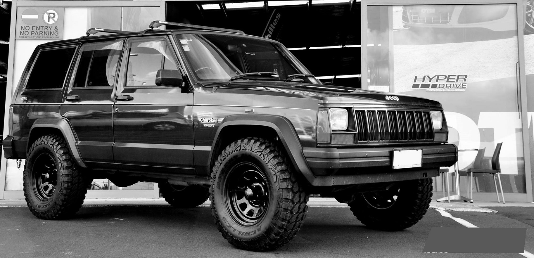 Jeep Cherokee on Black Rock TypeD