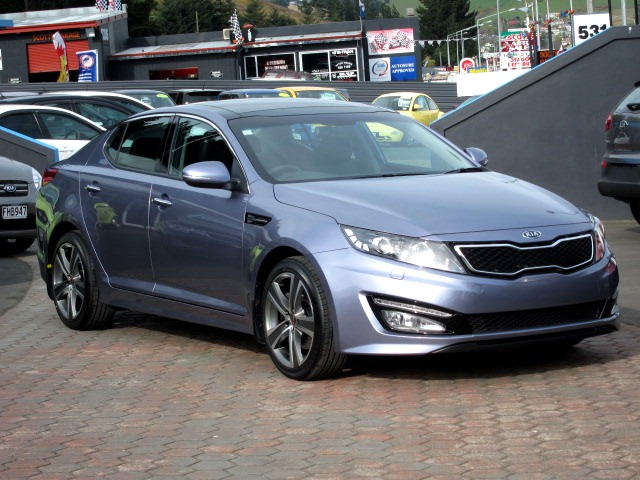 Kia Optima on MAK Fuoco5