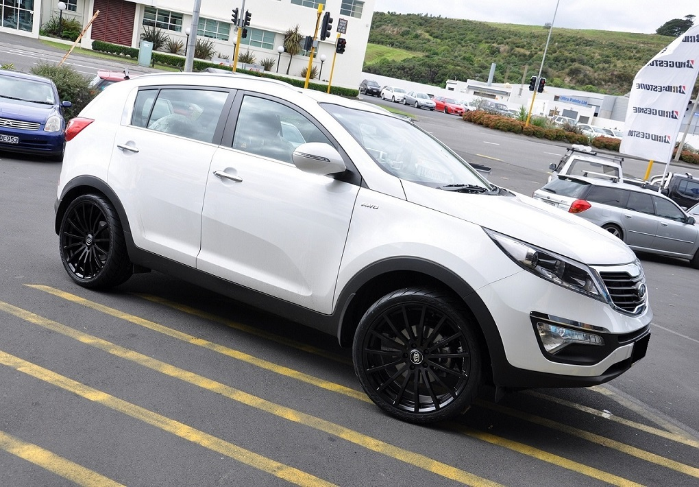 Kia Sportage on TSW Mallory