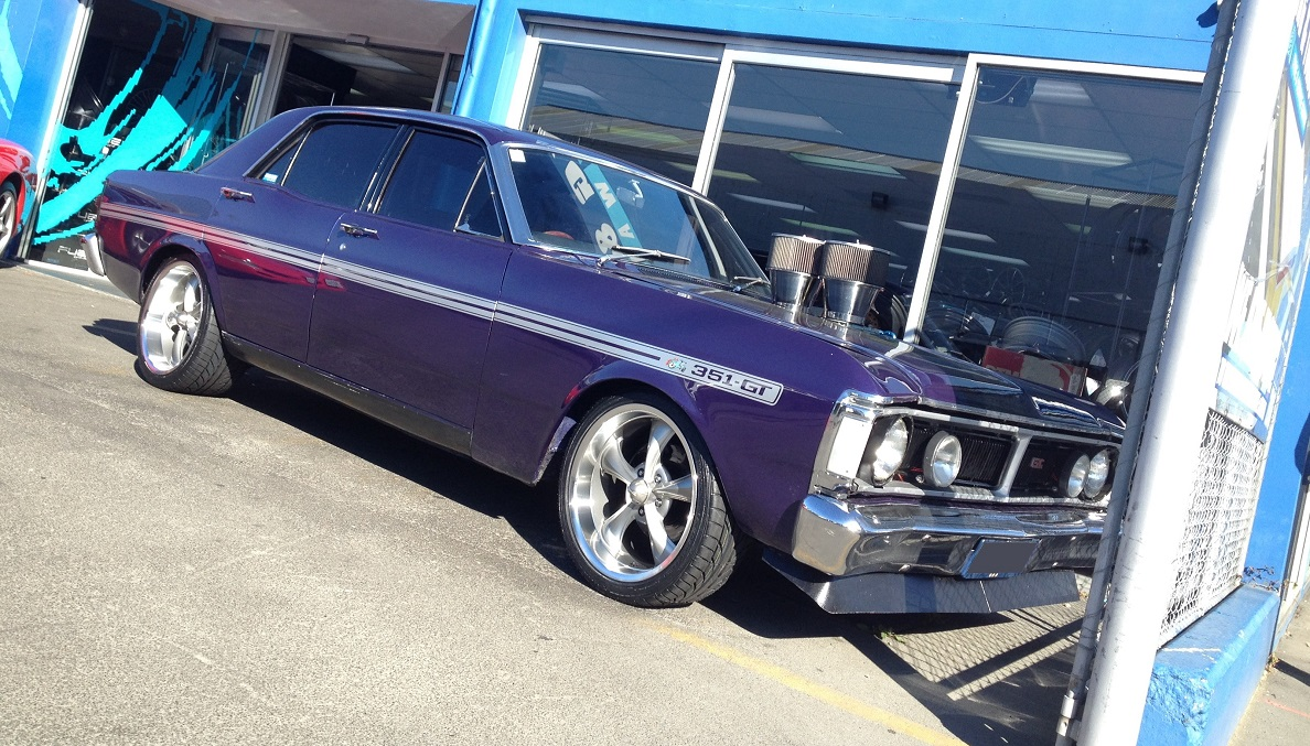 Ford Falcon on Ridler 695