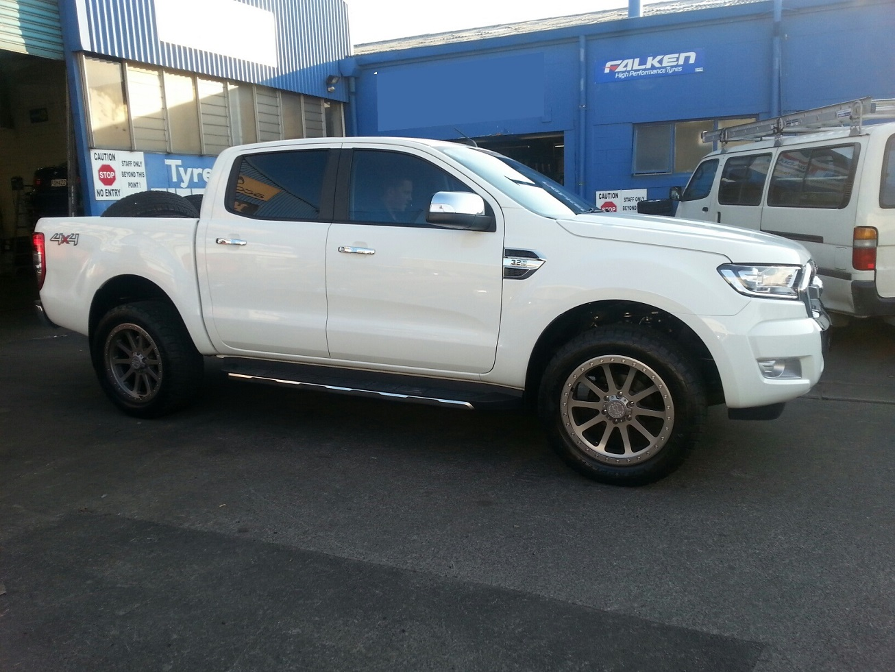 Ford Ranger on Black Rhino Mint