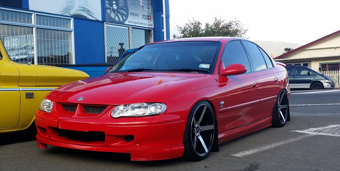 Holden Commodore on BGW Torque 18x9 all round