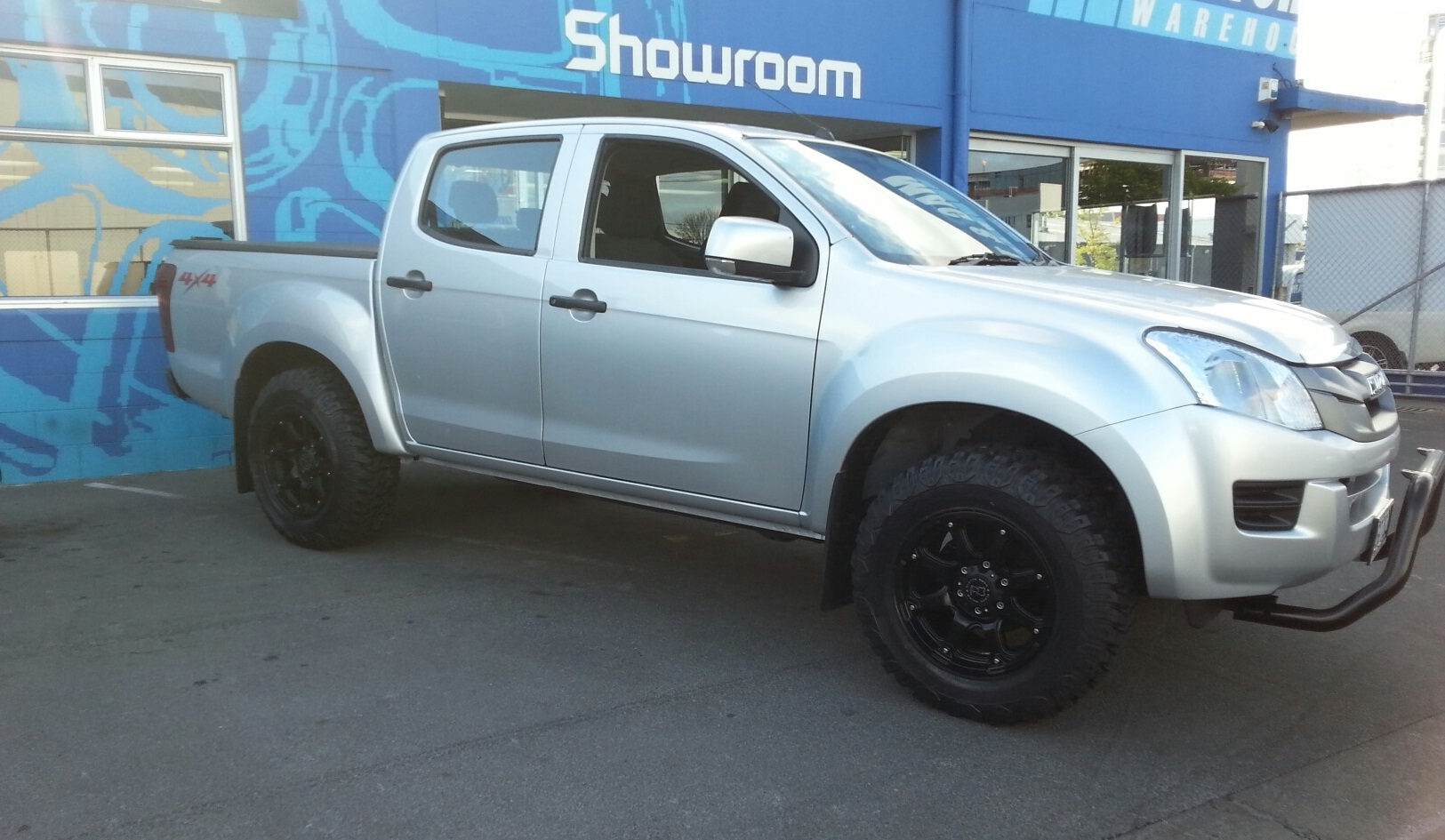Isuzu DMax on Black Rhino Glamis
