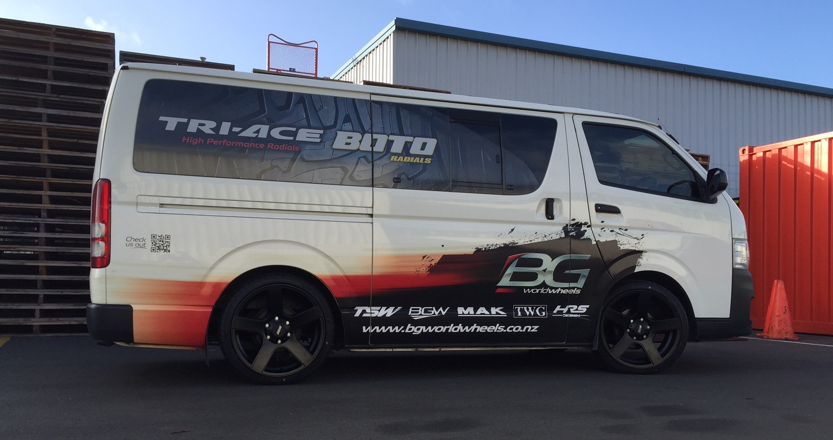 Toyota Hiace on BGW Stroke