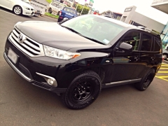 Toyota Highlander on Black Rock Type8P