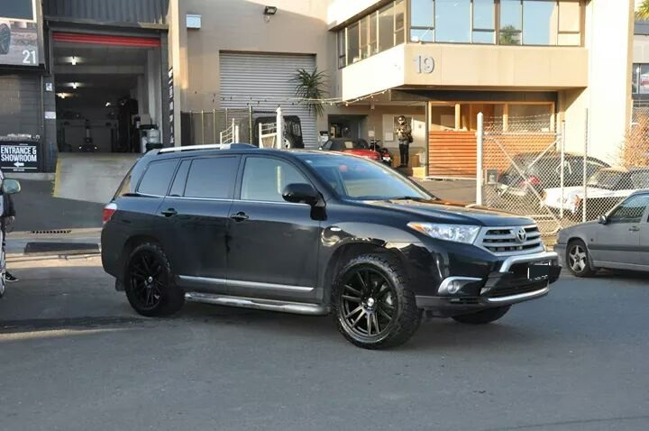 Toyota Highlander on TSW Gatsby