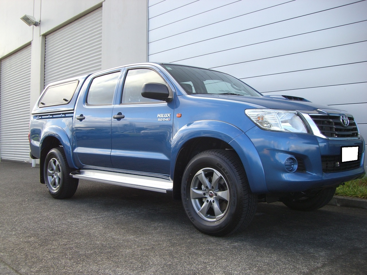 Toyota Hilux on MAK Raptor6