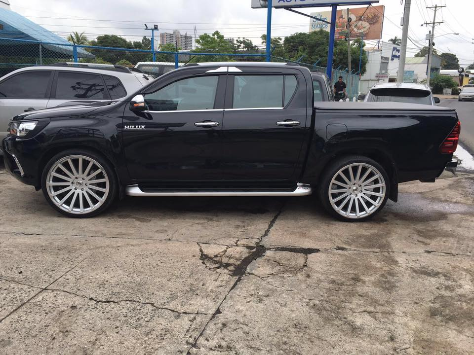 Toyota Hilux 4wd Black Rhino Spear