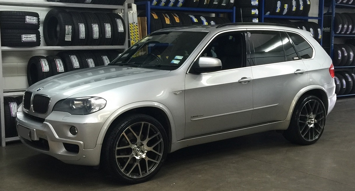 BMW X5 on 21inch TSW Nurburgring