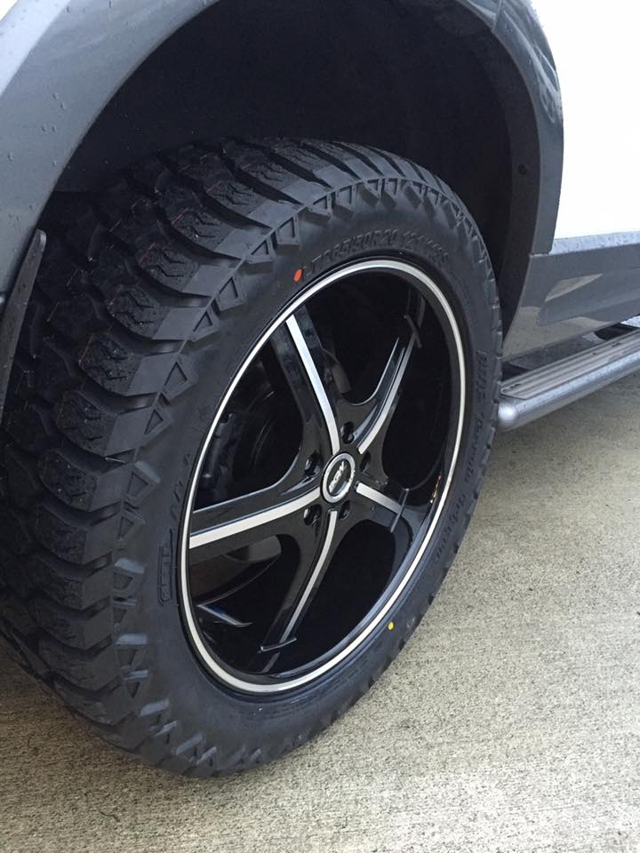 Ford Explorer on BGW Missile 265/50R20 AMP A/T
