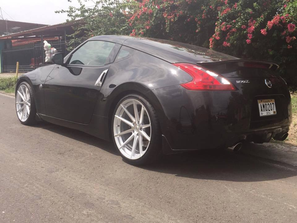 Nissan 370Z on TSW Bathurst