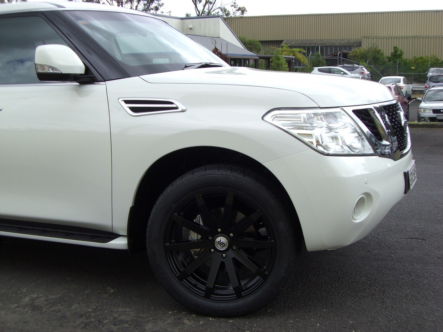 Nissan Patrol on Black Rhino Traverse