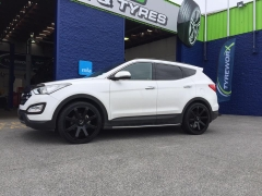 Hyundai Santa Fe on BGW Reload & Delinte D7