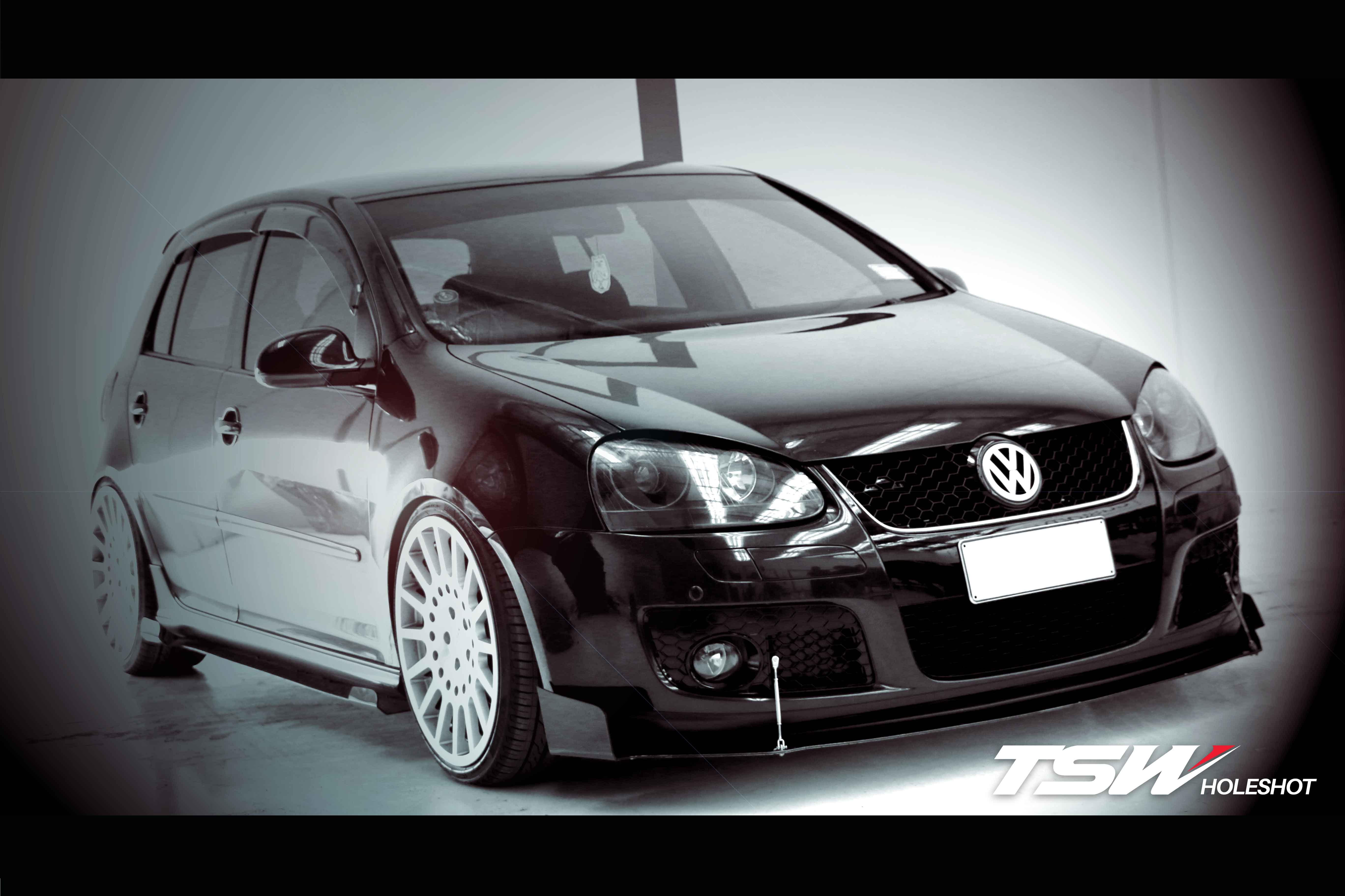 VW Golf mk5 on TSW Holeshot and Landsail LS588
