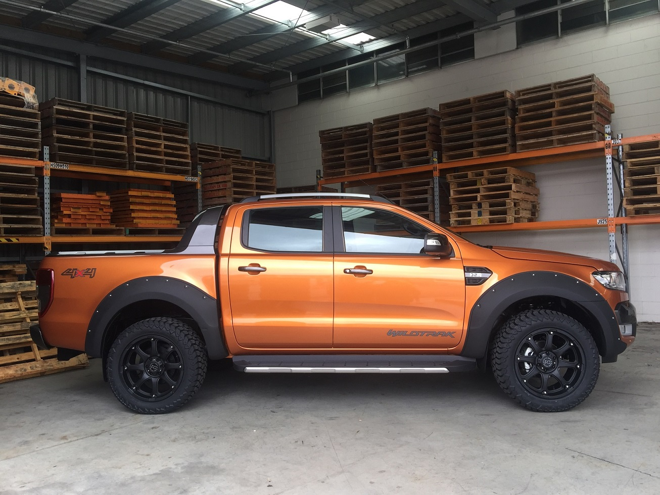 Ford Ranger on Black Rhino Glamis 275-55R20 AMP AT