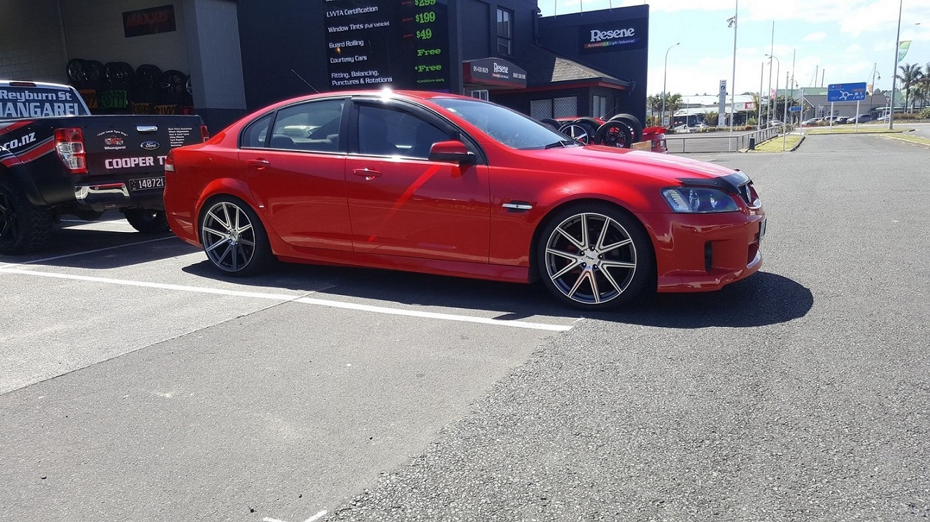 Holden Commdore on TSW Rouge
