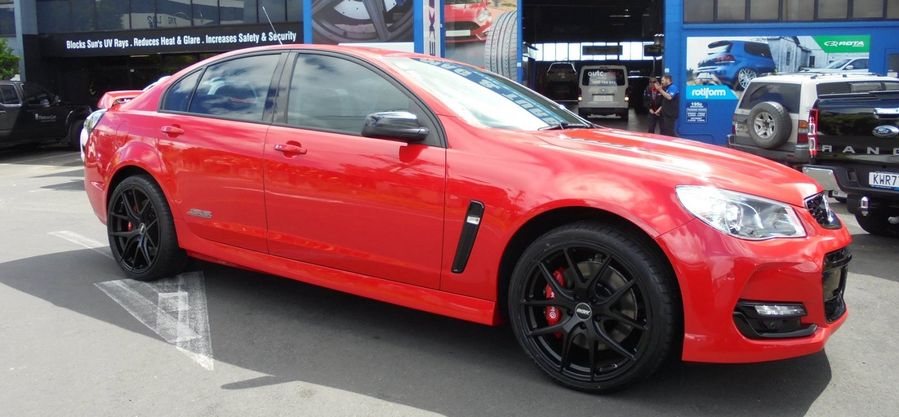 Holden Commodore on BGW Spiker