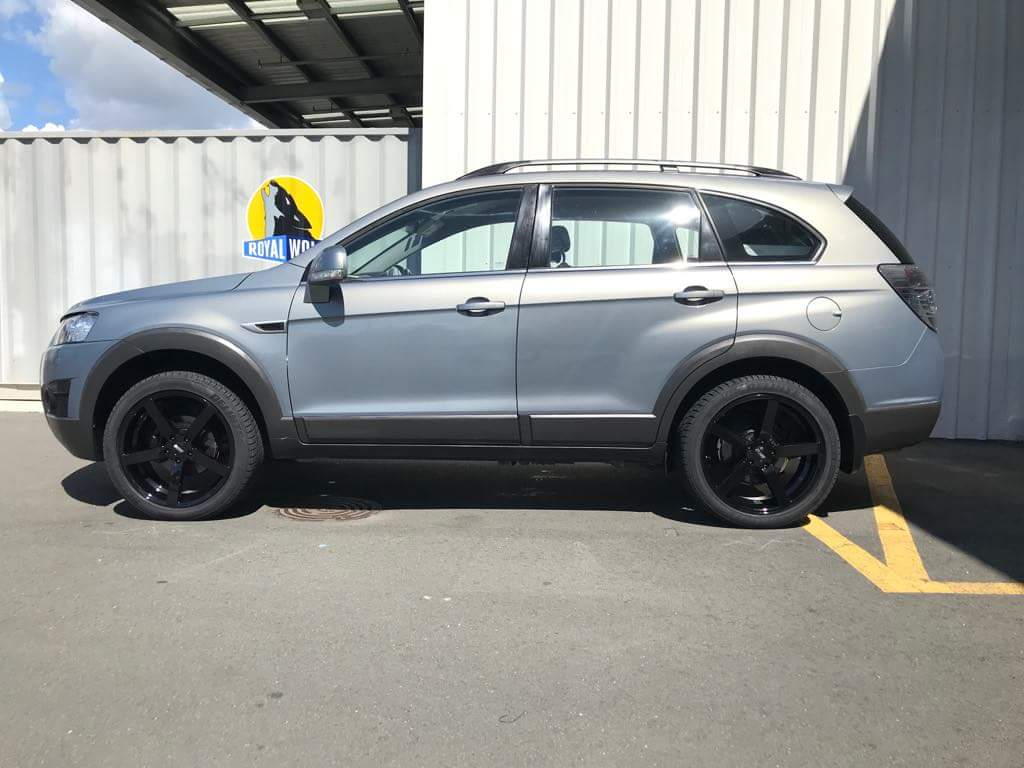 Holden Captiva on BGW Torque & Delinte DS8