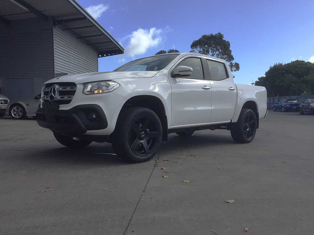 Mercedes X Class on BGW Stroke 265/50R20 LS588
