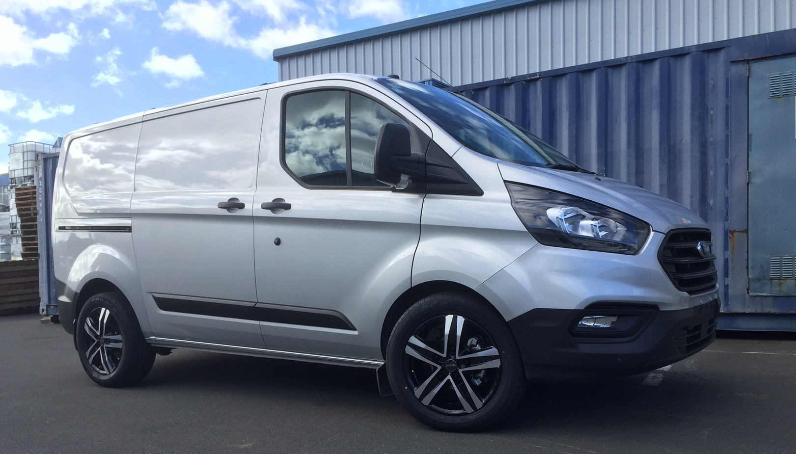Ford Transit custom on MAK Stone5