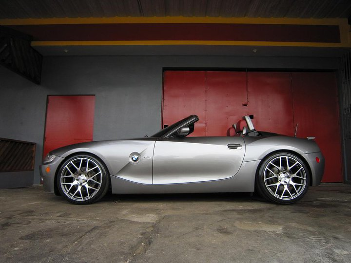 BMW Z4 on TSW Nurburgring