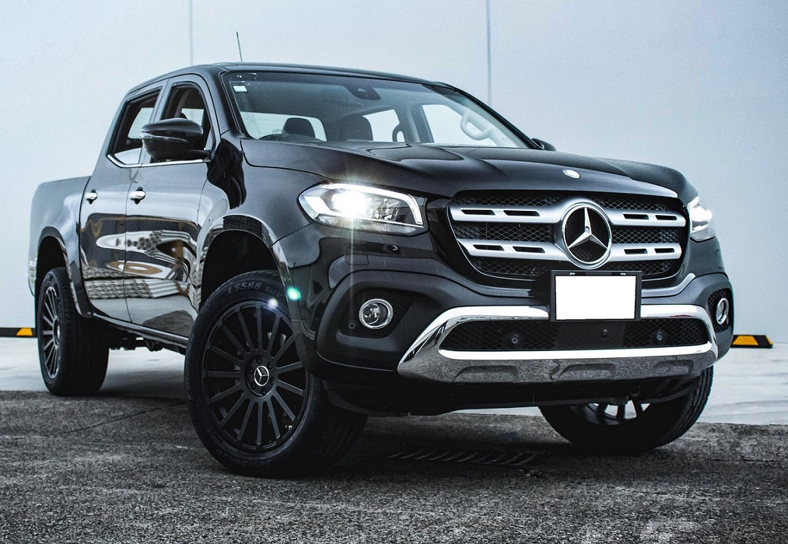 Mercedes-Benz X class on Black Rhino Spear