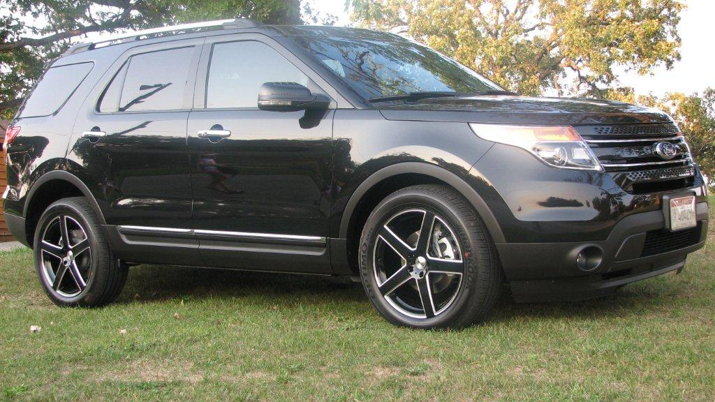 Ford Explorer on TSW Rivage