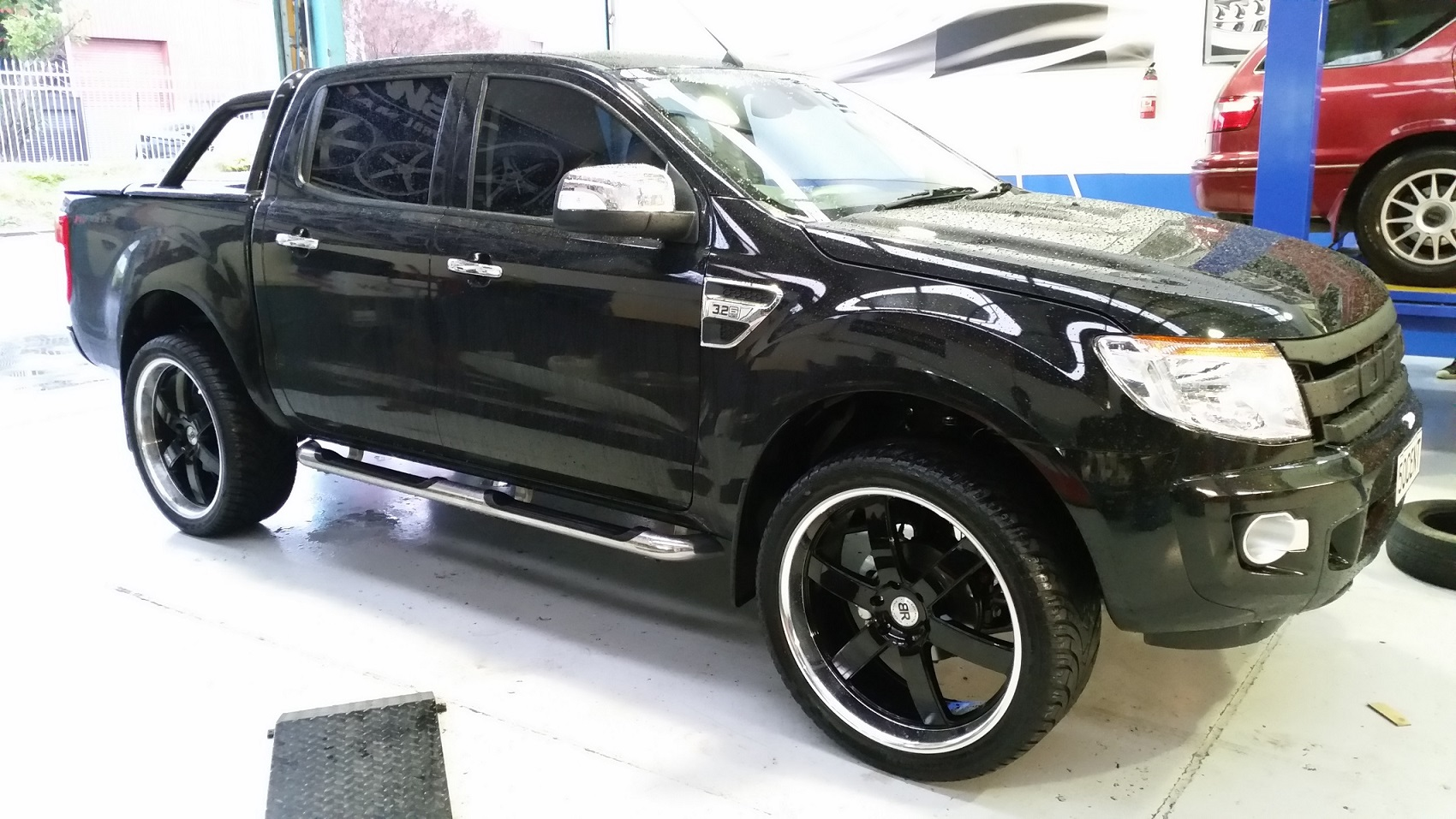 Ford Ranger on Black Rhino Pondora